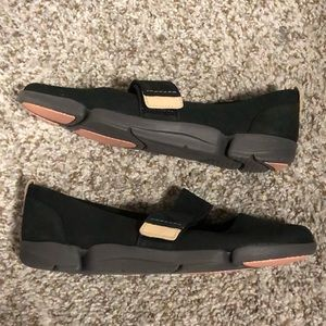Clarks Shoes - Woman's Clark's Slip On!
